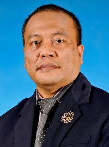 ZAIFRI HUSIN... Pengarah Jabatan Kebudayaan dan Kesenian Negara (JKKN) Cawangan Sarawak